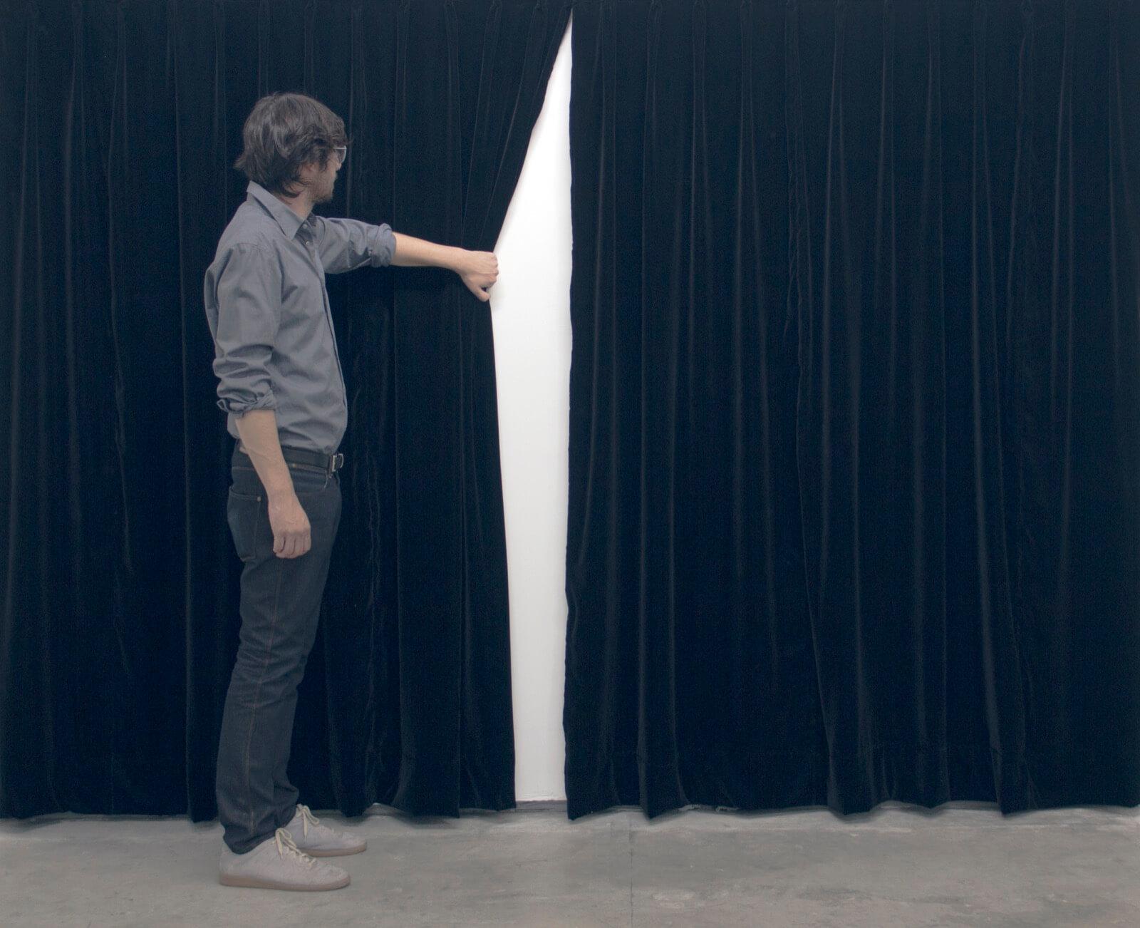 Performance   Mario García Torres: I AM NOT A FLOPPER Swiss Institute